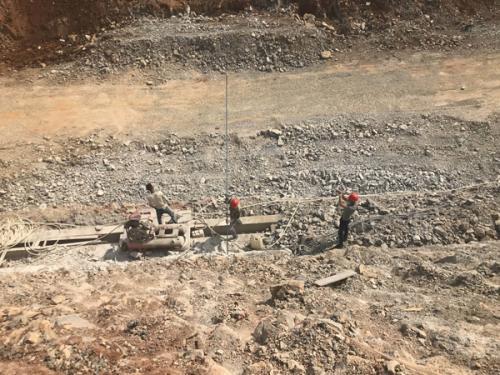 云南石泸高速边坡防护工程